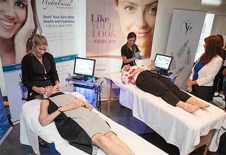 hydrafacial treatment at infinity clinic in Sydney - 2 patients with clinic staff - image 003