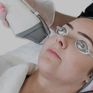 laser resurfacing - page image 001 - top - patient on treatment 002